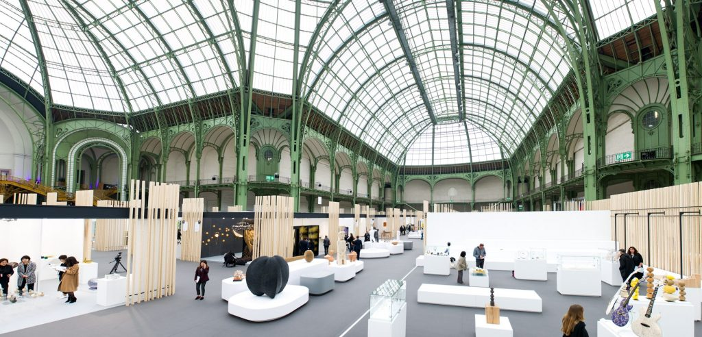 At the end of the month May we can enjoy the Révélations design event in Paris.