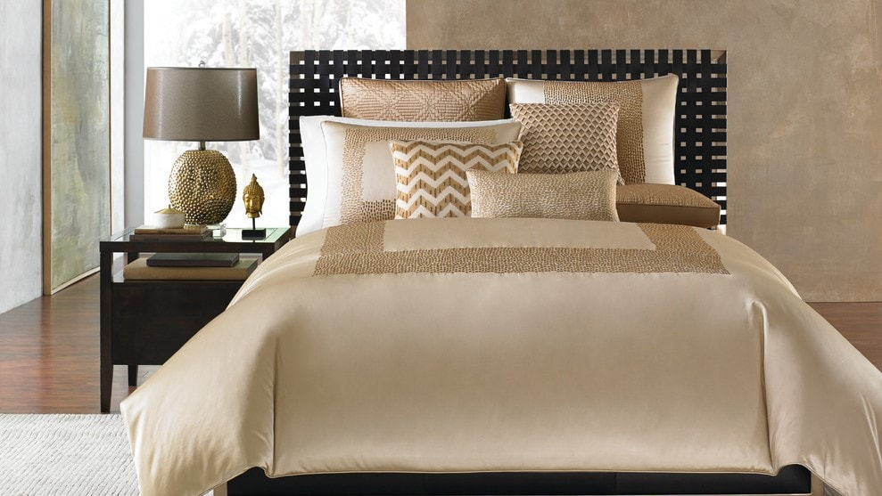 Why decorating with throw pillows is key to create the ultimate home!