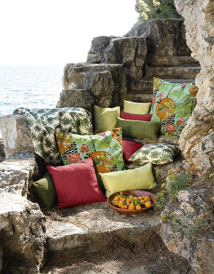 Pillows in the interior as bright accents Brabbu