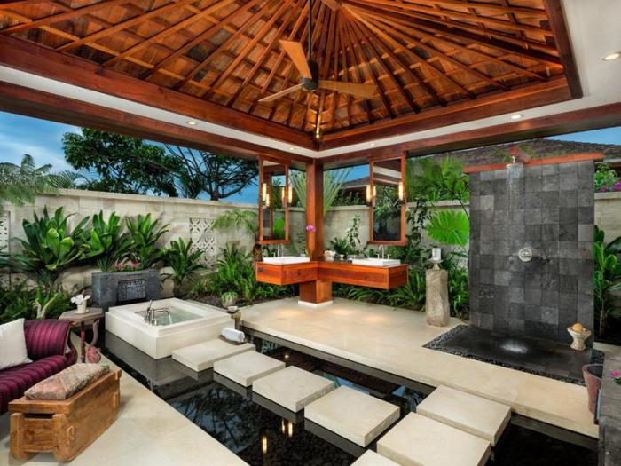 Separate Tropical Bathing House
