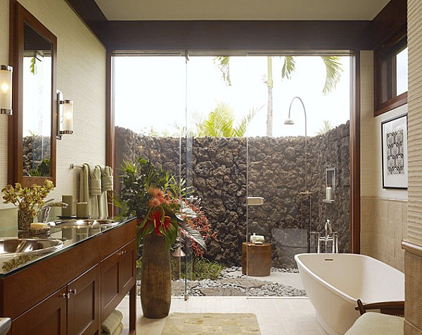Tropical Bathroom with Shower in the Courtyard
