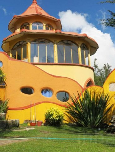Martin-Stratker-Fairy-Tale-accomodation-Las-Olas-Bolivia