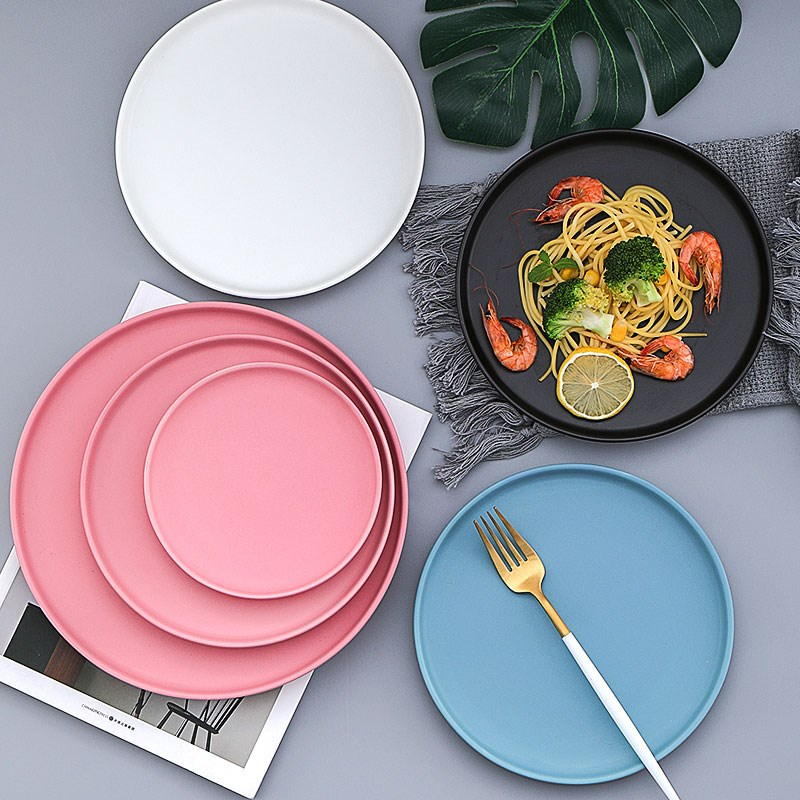 Simple breakfast tableware