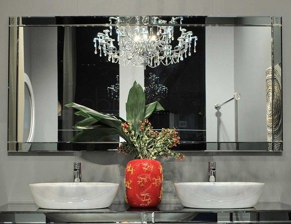 High-end Italian bathroom mirror by Nella Vetrina