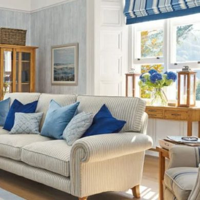costal style living room blue and white